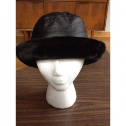 LEATHER CRUSHABLE BLACK BUCKET HAT WITH FUR