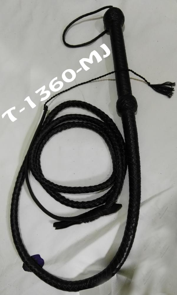 Leather Bullwhip Flogger Black Whips 7 Feet Wooden Handle